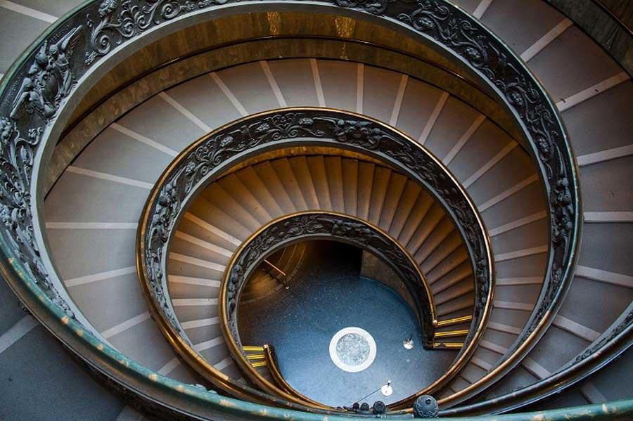 Сходи в музеї Ватикана в Римі