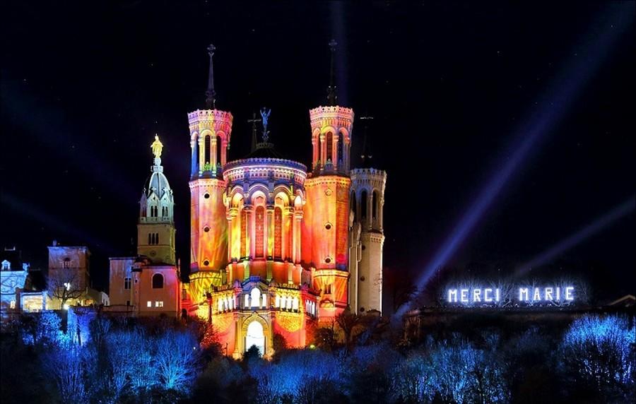 Фестиваль світла в Ліоні (Франція).
