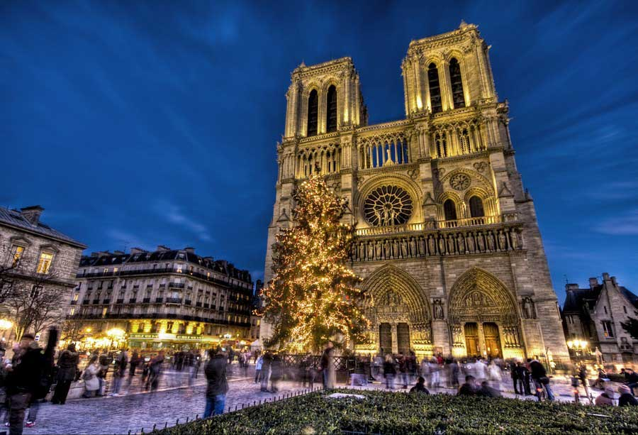 how-to-spend-christmas-in-paris-notre-dame-1