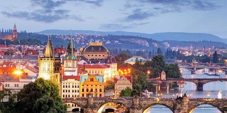 Після Львова та Мілана вас чекає старенька Прага