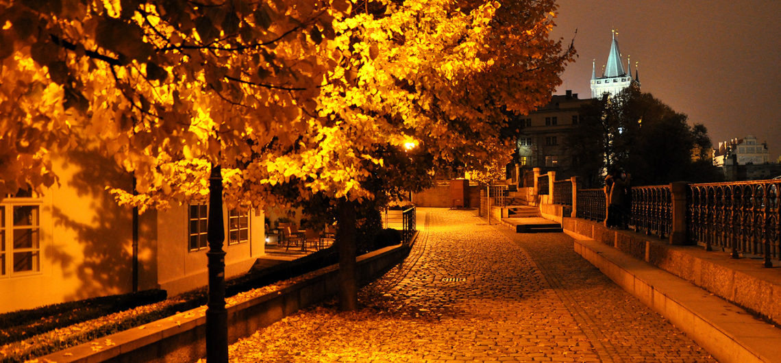 prague-night-in-autumn