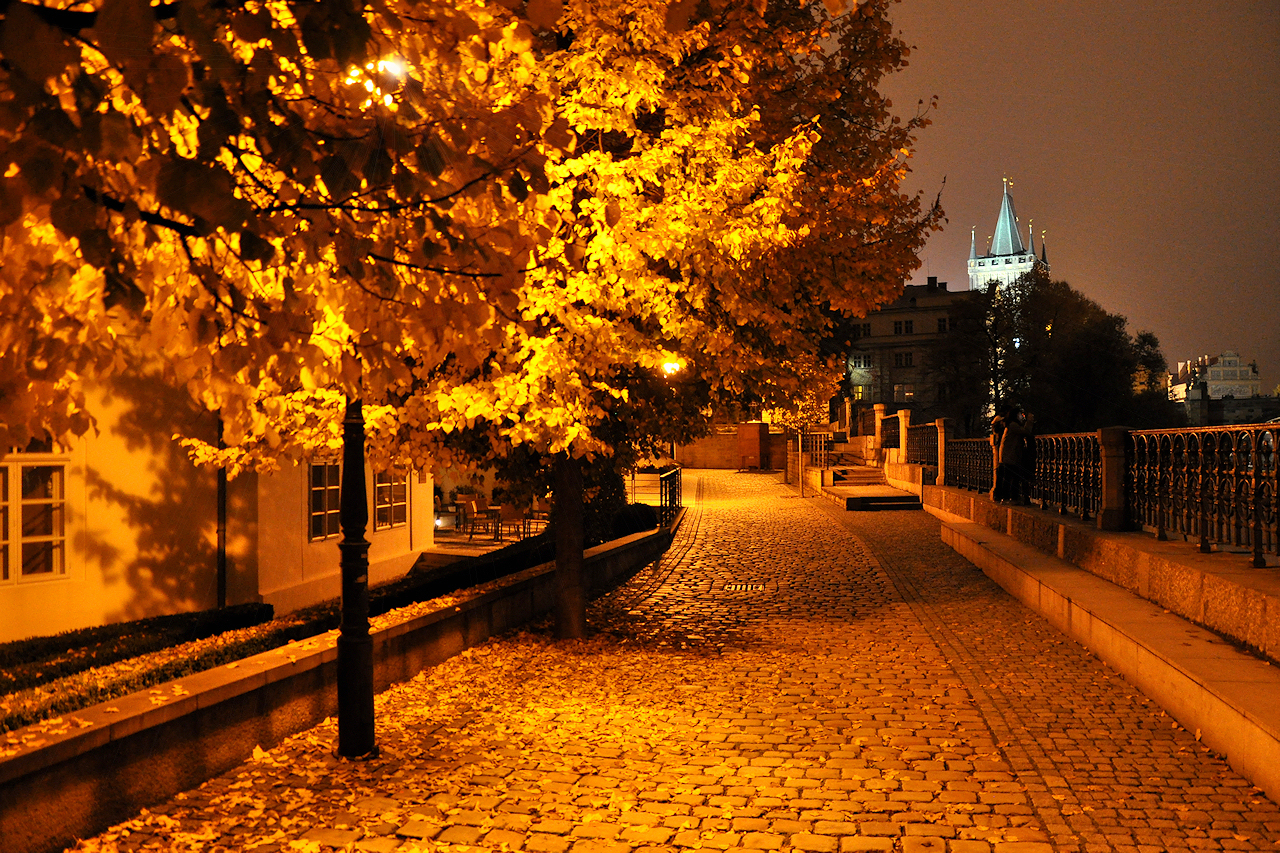 prague-night-in-autumn