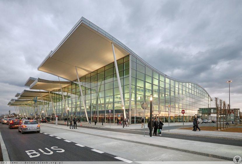 Інструкція подорожуючим: як дістатися Аеропорту у Вроцлаві