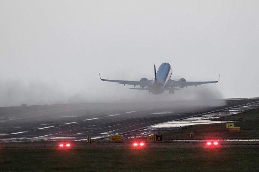 Європу накриває ураган Sabine/Ciara: скасовано десятки авіарейсів. Німеччина, Нідерланди, Велика Британія